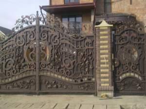 ворота металлические секционные