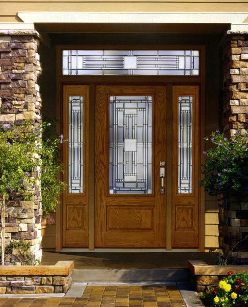 входная двери из массива со стеклом