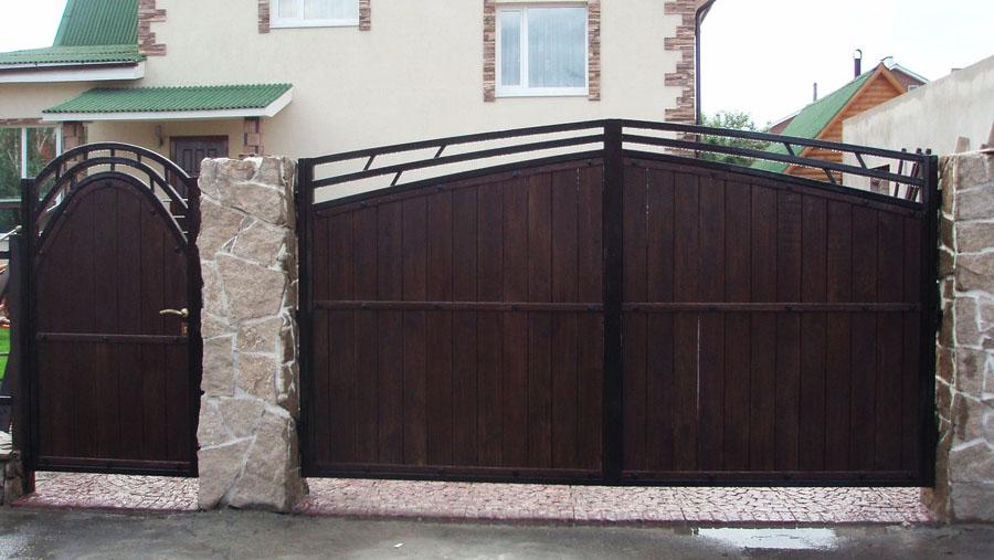 фото металлические ворота и калитка