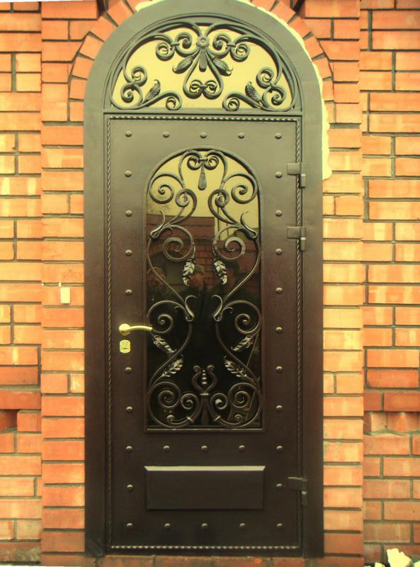 входные двери для загородного дома кованные