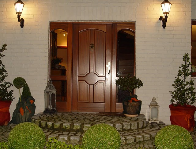 двери деревянные элитные